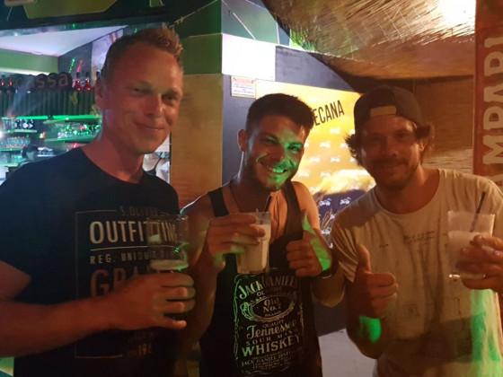 Absacker an der Bar :-) Aug19